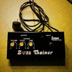 NPD!!! 220 volts of Zuzz Thain :D Lemon Studio Sound Zuzz Thainer #vintage #madeingermany #npd #ngd #lemonstudiosound #lemon #fuzz #sustain #zuzzthainer #guitarpedals #guitareffects #effectspedals #pedals #guitarfx #fxpedals #pedalporn #guitarporn #gearporn #geartalk #knowyourtone #toneheaven #gearnerds #gearwire #pedalboard #guitar #guitarist #guitargear #effectsdatabase