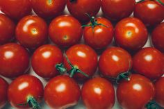 Save your time and tame cherry tomatoes with this super fast trick #lifehack