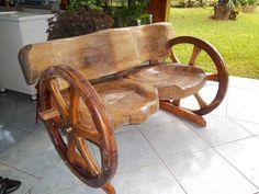 Projeto Pata Patinha .... Rustic Log Furniture, Rustic Bench, Diy Furniture Making, Old Wood Projects, Old Wagons, 1000 Life Hacks, Indian Furniture, Wagon Wheel, Furniture Manufacturers