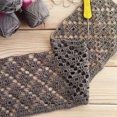 Hand Knitting Women's Sweaters Crochet Doily Rug, Crochet Lace Edging, Filet Crochet, Crochet Scarves, Crochet Shawl, Crochet Clothes, Crochet Hooks, Diy Crafts Crochet, Easy Crochet