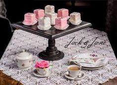 Fekete antikolt tortatál - BLACK WOOD    Jack&Jane tortaállványok Black Wood