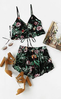 Botanical Print Lace Up Smocked Cami And Ruffle Shorts Co-Ord