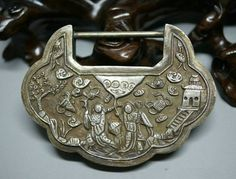 210: An Antique Chinese Silver Lock : Lot 210