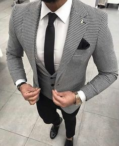 Mens Fashion Trends For 2018 - Top Fashion For Men Dress Suits, Men Dress, Der Gentleman, Gentleman Fashion, Look Fashion, Fashion Outfits, Style Masculin, Designer Suits For Men, Mens Fashion Suits