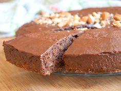 Čokoládovo-cuketová buchta s ořechy - Avec Plaisir Kakao, Banana Bread, Baking, Recipes, Food, Super, Zucchini Cake, Dessert Chocolate, Bakeware