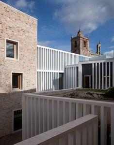 architecture contemporaine Atrio-Relais-Chateaux-image-Luis-Asin