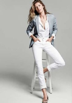 Gisele for Esprit Less is more. Style Casual, Preppy Style, Casual Chic, Style Me, Casual Outfits, White Style, Well Dressed, Elegant, Fashion News