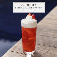 Caipiroska de Morango com Chantilly - Vamos Receber