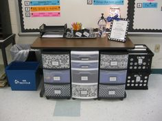 I'd love for you to stay Mission Organization Teacher Style: 18 Ideas to Organize Math Manipulatives from Mission Organization Teacher Style: 18 Ideas to Organize Math Manipulatives from Classroom Pictures, Classroom Layout, Classroom Setting, Classroom Design, Kindergarten Classroom, School Classroom, Classroom Decor, Future Classroom, Classroom Storage Ideas