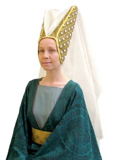 Headdress of European Nobility, Late Middle Ages