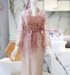 Discover recipes, home ideas, style inspiration and other ideas to try. Kebaya Modern Hijab, Kebaya Hijab, Kebaya Muslim, Muslim Dress, Model Kebaya Brokat Modern, Kebaya Lace, Kebaya Dress, Batik Kebaya, Batik Dress