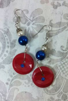 Red white and blue! Patriotic silver tone faux pearl and rhinestone button dangle drop earrings.