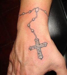 Raul Meireles: son tatouage chapelet fait le tour du poignet
