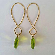 Dazzling Best Collection of Earrings Ideas. Ineffable Best Collection of Earrings Ideas. Green Earrings, Wire Earrings, Diamond Earrings, I Love Jewelry, Charm Jewelry, Unique Jewelry, Infinity Earrings, Olive Green, Greek