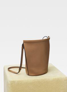 Clasp Bucket in smooth calfskin  b67061eae5fa4