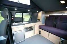 cool campervan and motor home conversions Vw Transporter Camper, T5 Camper, Campers, Sprinter Camper, Benz Sprinter, Vw Conversions, Camper Van Conversion Diy, Sprinter Conversion, Vw T5 Interior