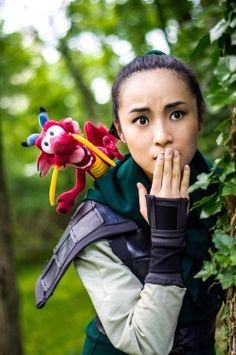 Mulan cosplay. ~ Awesome! And can we just take a minute to look at the Mushu plush?