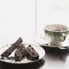 Coconut Chai Biscotti {The Leftovers Club Recipe} | Biscotti, Frugal ...