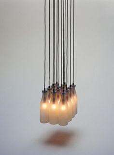 La MilkBottle Lamp de Remy Tejo.