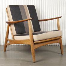 Cigar armchair by Hans J. Wegner. Oak structure and upholstered with Kvadrat fabric.