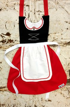 Adult SWISS maiden Juliet Gnomeo inspired by QueenElizabethAprons