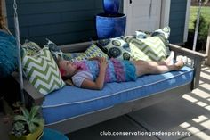 Build A Daybed Swing - 150 Remarkable Projects and Ideas to Improve Your Home's Curb Appeal Hanging Porch Bed, Outdoor Porch Bed, Outdoor Decor, Outdoor Living, Outdoor Daybed, Backyard Swings, Backyard Retreat, Porch Swings, Backyard Privacy