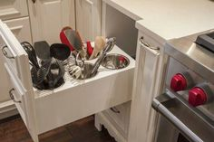 Then you dont have greasy dust on your utensils that would normally be on the counter!