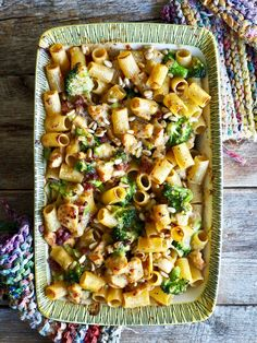 Grilled pasta with chicken and bacon – Food On The Table-Gratinert pasta med kylling og bacon – Mat På Bordet Grilled pasta with chicken and bacon - Source Bacon Recipes, Low Carb Recipes, Healthy Recipes, Bacon Food, Food N, Food And Drink, Norway Food, Healthy Meals For One, Chicken Pasta