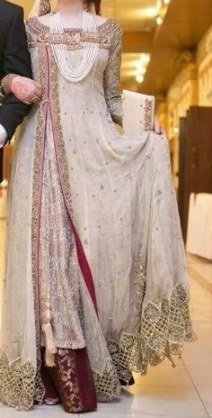 Mind Blowing Floor Length Bridal Wear Gown With Hijab,wedding gown,brocket with net,new designer wedding gown