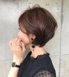 69 ideas for haircut cara redonda corto Sleek Hairstyles, Short Bob Hairstyles, Hairstyles Haircuts, Pretty Hairstyles, Medium Hair Cuts, Short Hair Cuts, Medium Hair Styles, Curly Hair Styles, Mom Haircuts