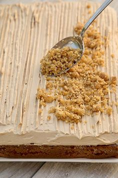 PRAJITURA CU NUCA SI CREMA DE CAFEA | Diva in bucatarie Krispie Treats, Rice Krispies, Deserts, Cooking Recipes, Breakfast, Food, Sweets, Morning Coffee, Desserts