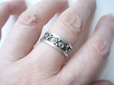 Vintage heavy sterling silver swirl ring by HoneybeedDesigns