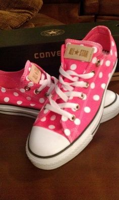 I've never really been a fan if converse..buuuut, I adore these things ;)