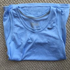 Nike tank Nike dry fit sleeveless tank. Long length. Worn once. Nike Tops Tank Tops