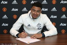 Jesse Lingard contract: Man Utd winger signs new deal | Daily Mail Online