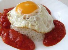 HUEVOS   SALSA DE TOMATE   ARROZ COCIDO            SALSA DE TOMATE   INGREDIENTES:   1kg.de tomates maduros, pelados y troceados  1cuch...