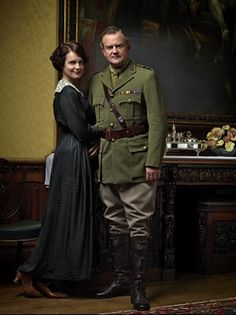 Lord and Lady Grantham of Downton Abbey Downton Abbey Costumes, Downton Abbey Cast, Downton Abbey Fashion, Hugh Bonneville, Julian Fellowes, English Drama, English Men, Tv Couples, Comedy Tv