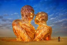Фотография Embrace at Burning Man 2014 автор Trey Ratcliff на 500px