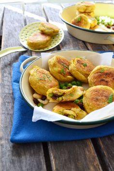 aloo tikkis: croquettes de pommes de terre (vegan, sans gluten) -- indian potato cakes