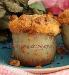 Crusty apple muffins