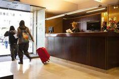 Spanje Barcelona Barcelona  Rustig gelegen hotel met Nederlandse receptioniste. Op ca. 5 minuten loopafstand van de populaire wijk Gràcia waar u tal van originele restaurantjes kunt vinden!  EUR 155.00  Meer informatie  #vakantie http://vakantienaar.eu - http://facebook.com/vakantienaar.eu - https://start.me/p/VRobeo/vakantie-pagina