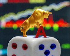 中国股市历经大幅动荡,中共政府出台新规,极力救市以阻止股指下跌。现在也许不会有股价大幅下跌风险,但可能面临更严重的问题:流动性消失。A股市场约半数上市公司停牌,造成了约2.8万亿(兆)美元的市值被锁死。另一方面,出台新规,禁止持股比例5%以上的大股东六个月内减持股票。许多投资人被套牢,动弹不得。这恐怕令长期冀望中国拥有强大消费潜力的国际商家大受挫败。 - 财经消息