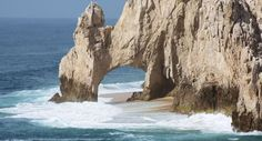 Los Cabos Travel Guide - Expert Picks for your Los Cabos Vacation. #honeymoonideas