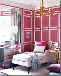 I like the walls...maybe I could do something like this with the wainscoting