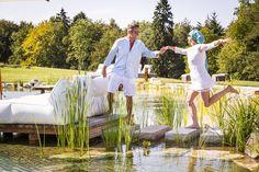 Verträumter Naturschwimmteich in der Parkanlage der Golden Hill Country Chalets & Suites Golden Hill, Spa, Chalets, Natural Garden, Swimming, Luxury, Vacation