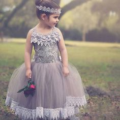 75.00$  Watch here - http://ali9em.worldwells.pw/go.php?t=32672565698 - 2016 vestidos de comunion Lace Flower Girls Dresses For Wedding Party Ball Gown Sweet Gray Tulle Girls Pageant Dress Prom 75.00$