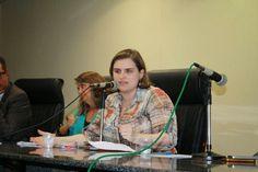 Durante reunião pública na manhã desta terça-feira 3, a vereadora Marília Arraes cobrou medidas efetivas da prefeitura e anunciou fiscalização dos espaços destinados ao acolhimento de crianças durante os festejos.