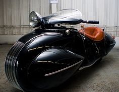 LOVE this motorcycle. Vehicle as art deco showpiece. - 1930 Henderson Custom