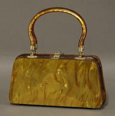 An original Bakelite/Lucite handbag : Lot 1283