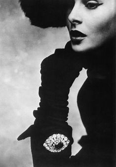 Dior, 1950. Lisa Fonssagrives. Photo: Irving Penn.